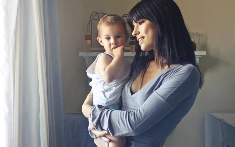 Bebês e crianças precisam de muito amor