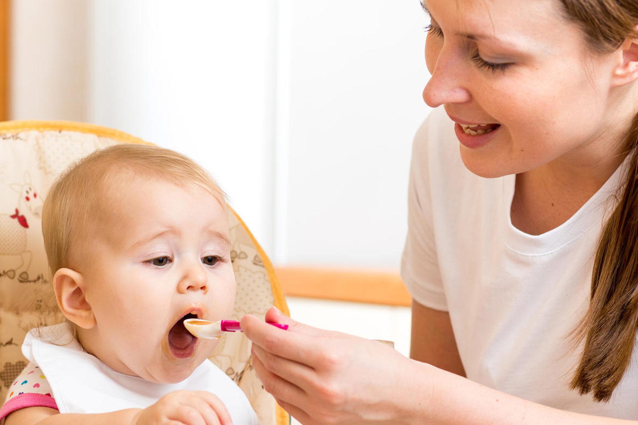 Alimentar bebês: um ato de amor!
